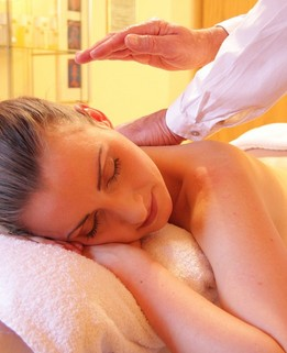 Massage Lomi-Lomi en chambre Lyon Karen Chocolat
